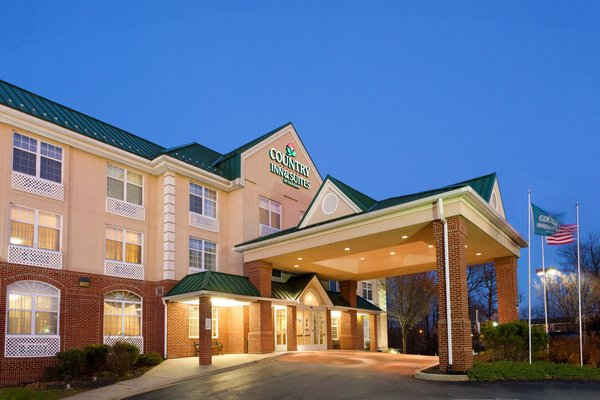 Country Inn & Suites - Newark